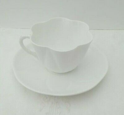 Vintage Shelley Fine China Dainty White Floral 272101 Tea cup saucer duo Retro