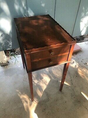 Antique 1900'S Mahogany Victorian Style End Table Drop Leaves Collectible