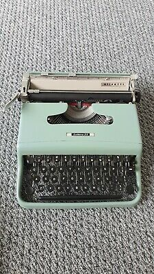 Olivetti lettera 22 typewriter ⭐⭐⭐⭐IMMACULATE ⭐⭐⭐⭐