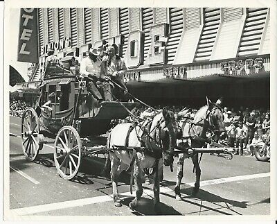 Vintage 8x10 Photo Chill Wills on Stagecoach Front of Binion's Horseshoe Casino