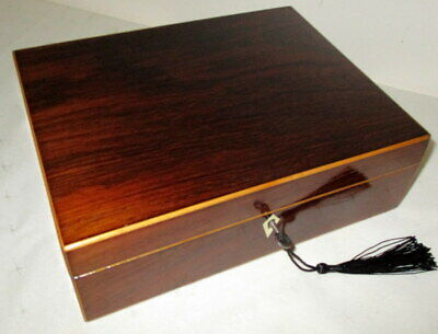 STUNNING GEORGIAN ROSEWOOD & BOXWOOD EDGED BOX with key