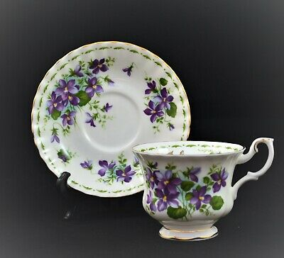 Royal  Dover England Tea Cup And Saucer Set Floral Roses