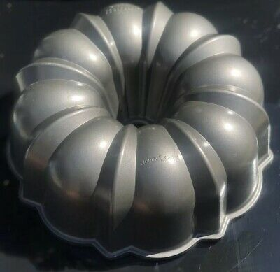 Vintage Bundt Cake Pan Cast Aluminum Trademark Northland Mold Heavy Antique Deal