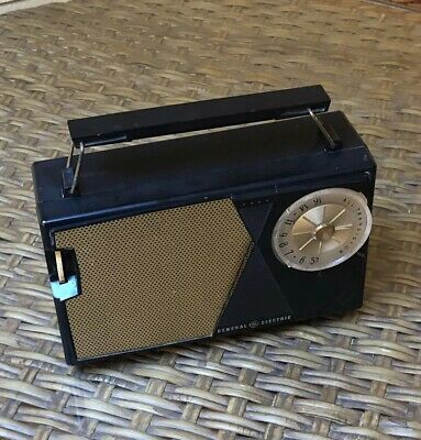 Cute Vintage GE General Electric All Transistor Radio Model P-807E Works Great
