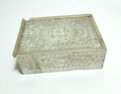 ANTIQUE CHINESE MOTHER OF PEARL CARVED BOX GAMING COUNTERS?    c.1800