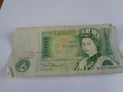UK bank note one pound issac newton see pictures