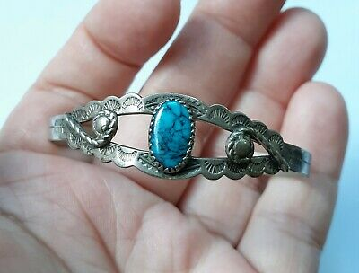 VINTAGE Native American BELL Trading Nickel Silver/Turquoise Child Cuff Bracelet