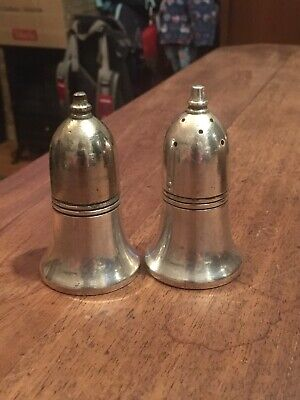 Silver Plated Salt And Peper Shakers - Bradley Plate - Sheffield #27061901