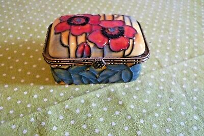 A Pretty Old Tupton Ware Hinged Trinket Box With Poppy Decoration