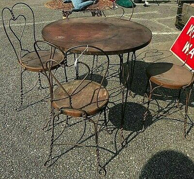 VINTAGE 4  TWISTED WROUGHT IRON ICE CREAM PARLOR CHAIRS With TABLE