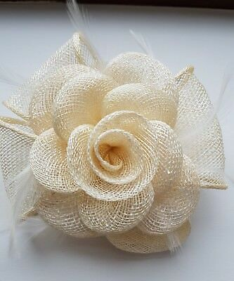 Beautiful Cream White sinamay feather & flower design facinator wedding 932