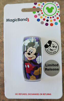 Disney Parks Mickey Mouse 2019 Passholder Limited Release Magic Band 2 LR