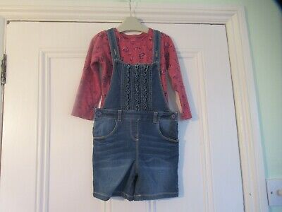 3-4 yrs: Stretchy blue denim short dungarees & pink floral top: Good condition