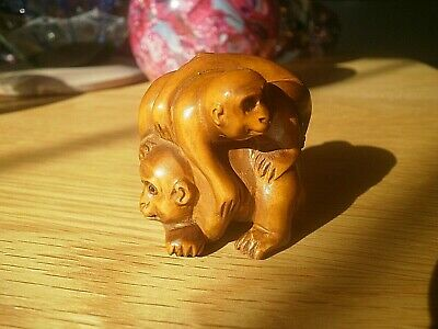 Hand Carved wood Netsuke 3 monkeys playing collectable boxwood ape figure