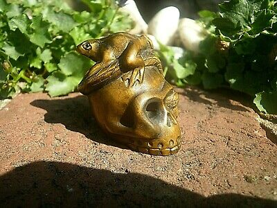 Hand carved wood netsuke Snake caught frog on skull , boxwood figure carving