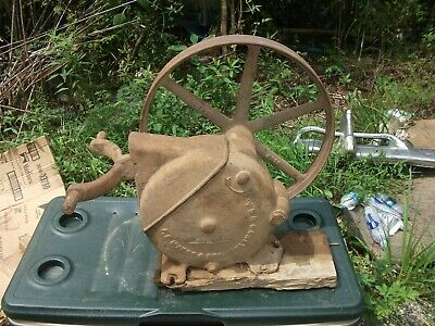 F.E.Myers & Bros. Antique Farm windmill Well Pump jack Ashland,Ohio (Rare)