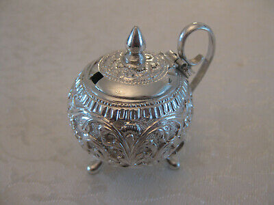 ANTIQUE INDIAN SILVER MUSTARD POT FOLIATES DECORATION 44 grams circa 1880