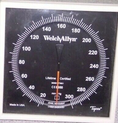 Welch Allyn 7670-01W Sphygmomanometer Lightly Used  Comes With Adult Cuff 11