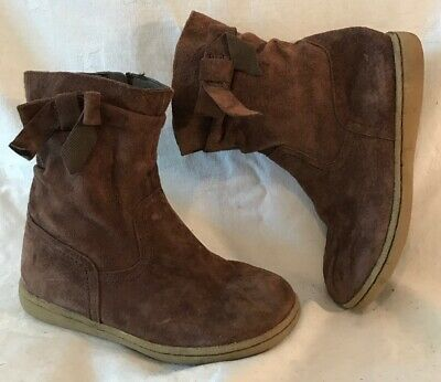 Girls M&S Brown Suede Lovely Boots Size 12 (310v)