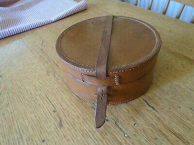 Stunning Antique Real Leather Collar Box - Monogrammed 'D.l'