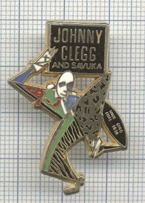 Pins badge Decat Johnny Clegg Le Zoulou blanc and SAVUKA singer chanteur musique