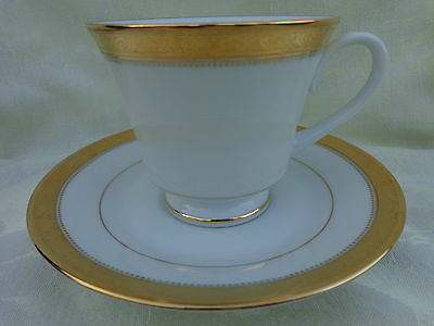 "Noritake Contemporary Signature Gold 4 Sets Of ""Cup And Saucer"""