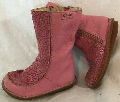 Girls Clarks Pink Leather Lovely Boots Size 8.5G (530v)