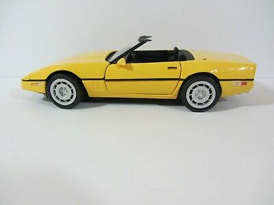 Franklin Mint  1986 Corvette in Box Yellow  VGC  1:24 scale  (719)  B11RD27