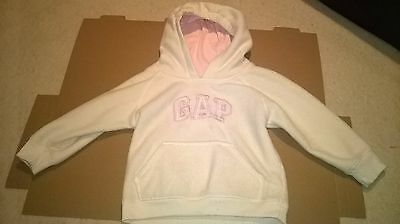 152 Girls GAP hoodie size 4 years white with pockets