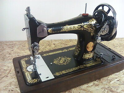 Vintage Singer 28k 3/4 Size Hand Cranked Sewing Machine