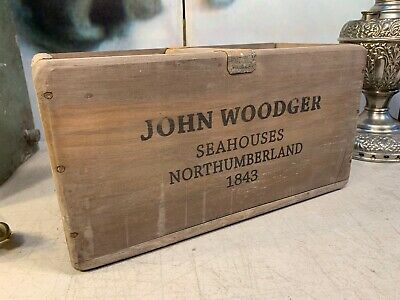 Vintage StYle Timber John Woodger Seahouses Northumberland Scallops Carry Box