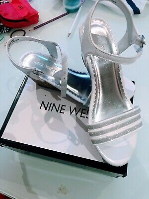 Girls Nine West Wedding / Party Shoes Size 1.5 Worn Once