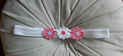 Babies/girls  white Headband with 3  pink / white flowers