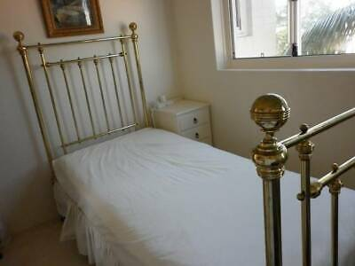 Antique Brass Single Bed in very good condition