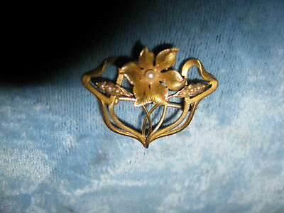 Beautiful Antique Art Nouveau or Victorian 14K Gold and seed Pearl Flower Brooch