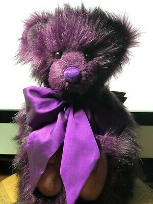 BRAT Charlie Bears United States ship! Cute little guy with big bow 12inches