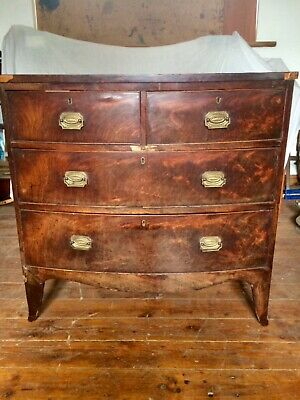 A Small Antique Georgian 19th Century Mahogany Bowfront Chest of Drawers.