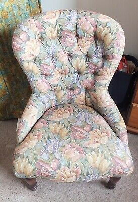 Ladies/ Bedroom Button-backed Tapestry Covered Chair in excellent Condition