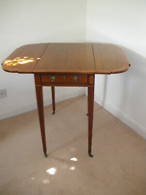 Antique Sheraton Side Table - highly attractive small Pembroke table circa 1800