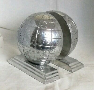 Pair of Beautiful Vintage Globe Shaped Resin Bookends (Height - 16.5 cm)