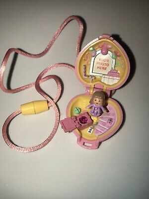 Rare HTF 1992 Polly Pocket Bluebird Pretty Present Locket Complete w/Doll EUC
