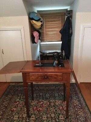 1950's Singer Sewing Machine with cabinet
