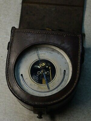 Barometer flight WW1 leather case. In great condition.