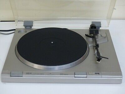 Vintage AKAI audio stereo Direct Drive Turntable, made in Japan