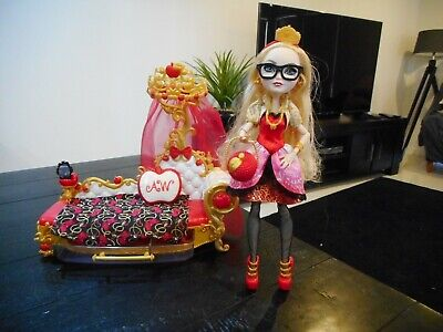 Ever After High Apple White Doll & Fainting Couch -RARE