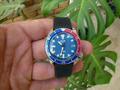 Vintage SEIKO Divers Automatic 7002 700 from Feb 1995  blue dial 150m Clean
