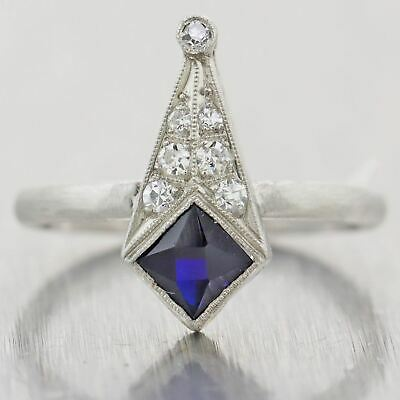 1920's Antique Art Deco Platinum 0.50ctw Sapphire & Diamond Ring