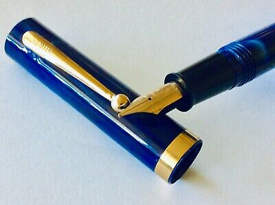 SHEAFFER BLUE MARBLE FOUNTAIN PEN Gold Trims Med Nib Used Condition