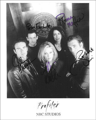 Profiler Tv Cast - Autographed Signed Photograph With Co-Signers