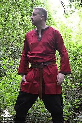 New Fashion In European Civil Medieval Tunic Renaissance Beautiful Red Color